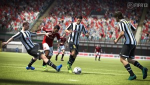 FIFA13 Chiellini tackle